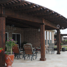Traditional Patio by EEI Outdoor Living & Landscape