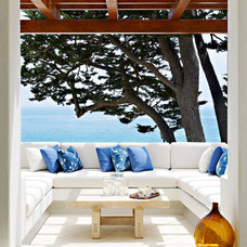Mediterranean Patio by Evens Architects