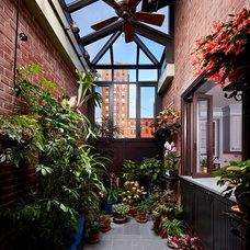 Traditional Patio by Terra Studio