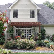 Traditional Exterior by Home & Garden Design, Atlanta - Danna Cain, ASLA