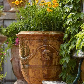 European and American Garden Pottery