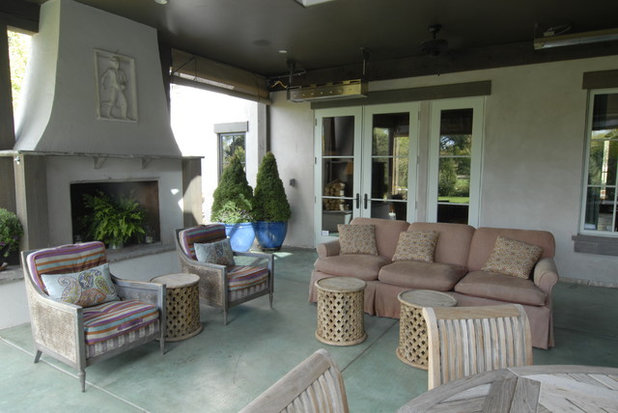 Traditional Patio by Brenda Olde