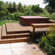Traditional Patio by John L'Etoile Landscape Architecture
