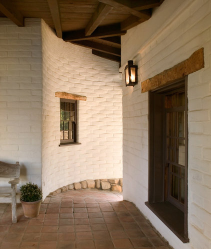 Southwestern Exterior by Tom Meaney Architect, AIA