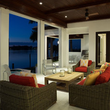 Tropical Patio by Murray Homes