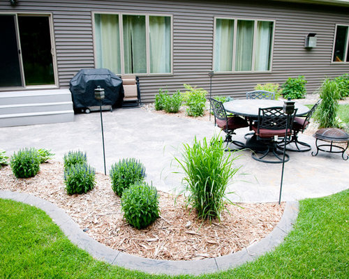 Example Of A Classic Backyard Patio Design In Minneapolis