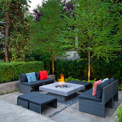 contemporary patio by Revival Arts | Architectural Photography
