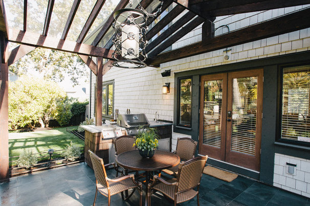 Traditional Patio by ARYZE Development and Construction, Victoria BC