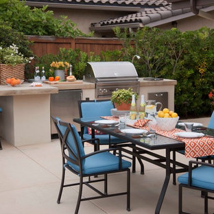Example of a trendy patio kitchen design in San Diego