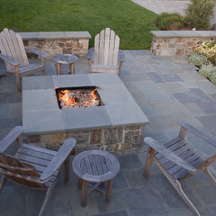 traditional patio by Shades Of Green Landscape Architecture