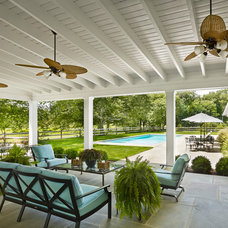 Farmhouse Patio by Hone+Associates