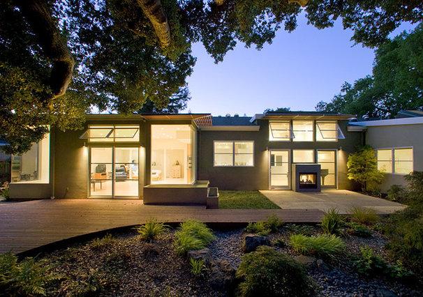 Contemporary Patio by Feldman Architecture, Inc.