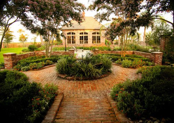Traditional Patio by Ferris Land Design - Richard Hymel, ASLA