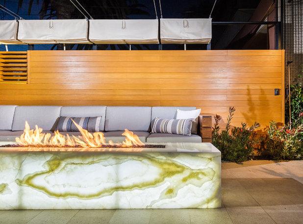 Great Modern Patio by Kurt Krueger Architects