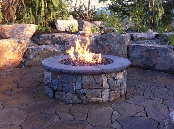 Traditional Patio by Custom Fire Art, LLC
