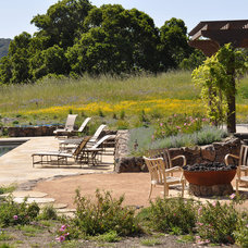 Rustic Landscape by Arterra Landscape Architects