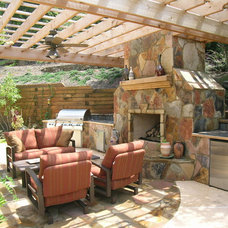 Tropical Patio by Legacy Landscapes, Inc.