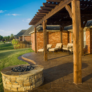 Fireplaces & Fire Pits - Curved Patio with Fire Pit.\