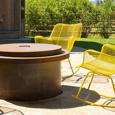 Modern Patio by Grace Home Design, Inc.