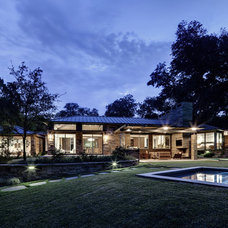 Contemporary Patio by Domiteaux + Baggett Architects, PLLC