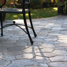 Traditional Patio by Earth Stone Midwest