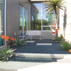 Contemporary Patio by D-CRAIN Design and Construction