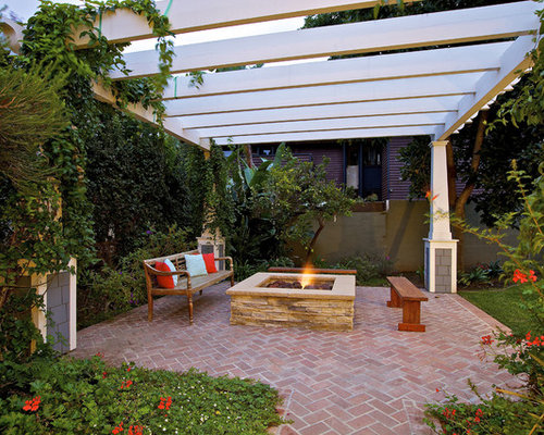 Perfect Traditional Patio Idea In San Diego With A Pergola