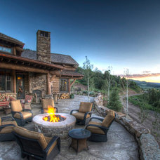 Traditional Patio by Gunson Custom Mountain Architects