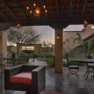 Foto di un patio o portico american style