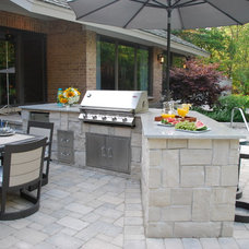 Traditional Patio by Architectural Gardens, Inc