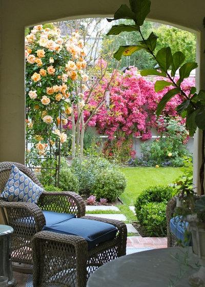 Mediterran Patio by Garden Pacific