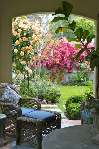 Mediterranean Patio by Garden Pacific