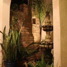Tropical Patio by Zaunbrecher Design