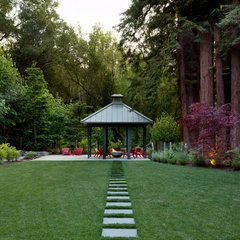 traditional landscape by Simpson Design Group Architects