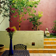 mediterranean patio by House + House Architects