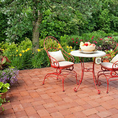 traditional patio by K&D Landscape Management