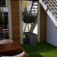 modern patio by Pedini UK