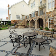 Traditional Patio by COLAO & PETER Landscape Design & Construction