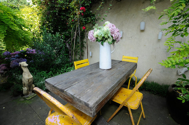 Shabby-chic Style Patio by Beccy Smart Photography