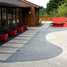 Contemporary Patio by Derviss Design