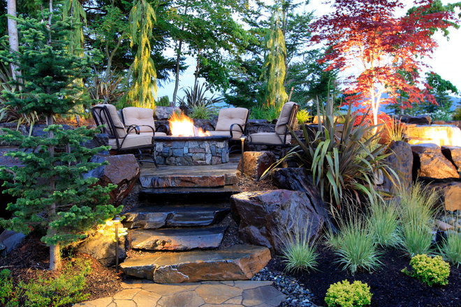 Eclectic Patio by Alderwood Landscape Architecture and Construction