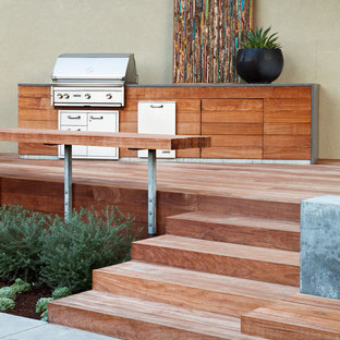 Example of a trendy patio kitchen design in San Francisco