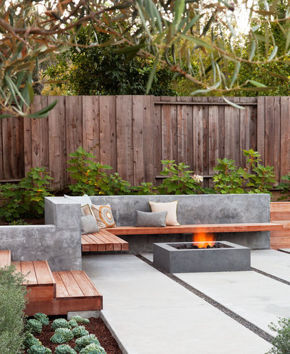 modern patio by Arterra LLP Landscape Architects
