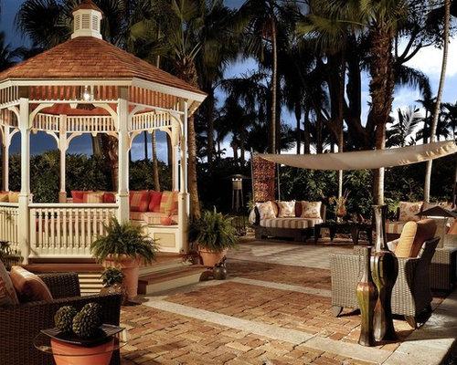 blumenkübel baumstaumm einrichtungsidee terrasse galeazzo