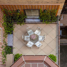 Traditional Patio by Andre Tchelistcheff Architects