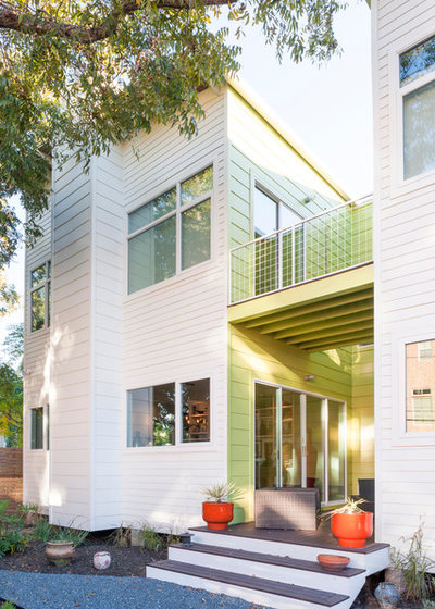 Modern Patio by brett zamore design