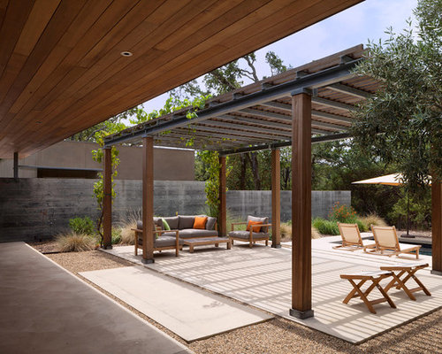 Patio design ideas remodels photos with a pergola and for Pergola images houzz