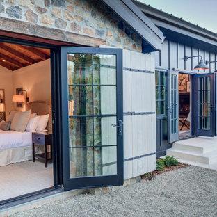 Idee per un patio o portico eclettico di medie dimensioni e in cortile con fontane, ghiaia e nessuna copertura