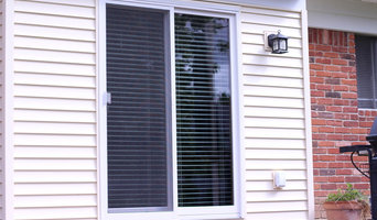 Glider Blind Track With Horizontal Wood Blinds