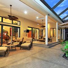 Tropical Patio by Bella Luna Services, Inc.